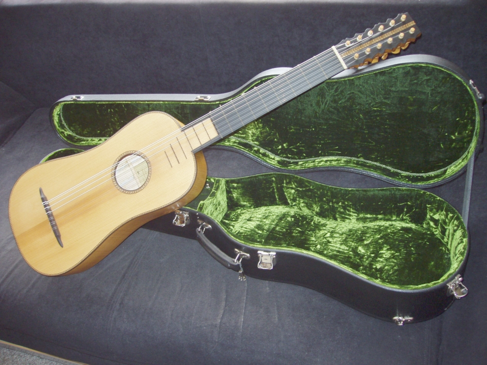 6-course Baroque guitar